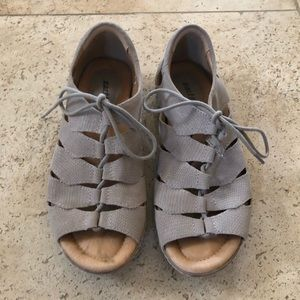 Earth comfort cream sandal